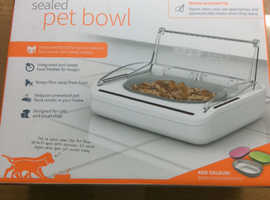 Surefeed auto cat/ dog feeder