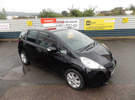 2012/62 Honda Jazz 1.4 i-VTEC ES AUTOMATIC finished in Phantom Black Metallic. 71,512 miles