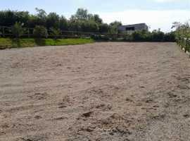 Barn,10 stables, school, 7 acres.