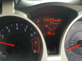 Nissan Juke, 2013 (13) White Hatchback, Manual Petrol, 33,000 miles