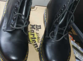 Brand new unwanted gift Dr marten boots
