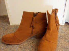 Brand New Women's Swade Ankle Boots