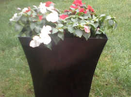 Beautifull pre planted patio pots trough and wall hangers
