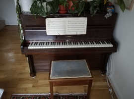 Free Allison Piano and Stool