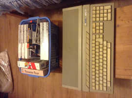 Atari1040sT computer with some games