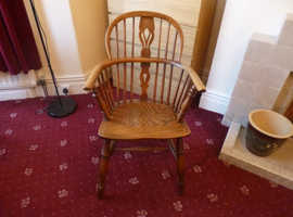 Antique Windsor Bow Back Chair