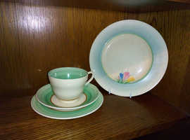 Clarice cliff trio and plate