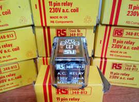1 x RS 348 813 RELAY 230 V ac ( 3 pole 2 way, 10 A ) NEW - £ 10 each