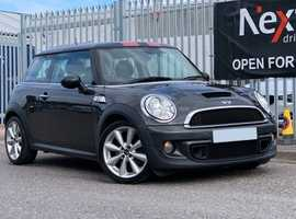 2011 Mini 1.6 Cooper S In a Fabulous Colour, this Low Mileage Cooper S is Complete with a Full Service History