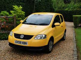 Volkswagen Fox, 2009 (59) Yellow Hatchback, Manual Petrol, 103,000 miles