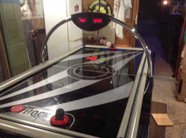 7ft 8ins Air hockey table