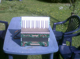 HOHNER CARMEN PIANO ACCORDIAN MK2