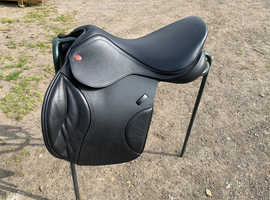 Brand New Jump Saddle - only used once