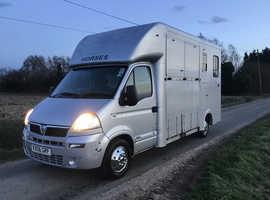 Vauxhall Movano 3.5 t coachbuilt Horsebox