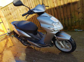Can deliver Yamaha jog 50cc 2t scooter moped