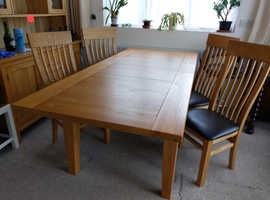 Reduced to £350- Pacific Ash solid wood extendable dining table & 6 chairs