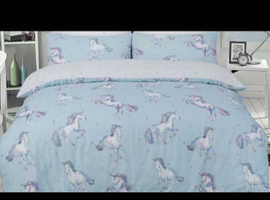 "Brand new ""unicorns"" duvet set"