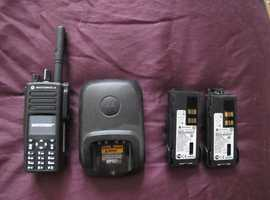 MINT MOTOROLA DP 4801 AND LOTS OF EXTRAS