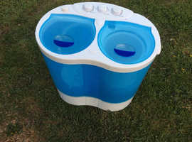 Portable twin tub washer/spinner