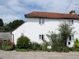 Pretty Beamed character COTTAGE to hire for holidays EAST SUSSEX Dogs Welcome