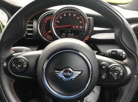 Mini MINI, 2015 (15) Green Hatchback, Manual Petrol, 27,000 miles
