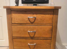 Beautiful Hardwood chest of drawers