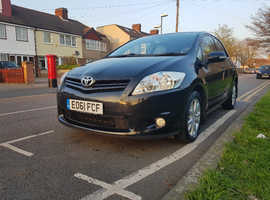 Toyota Auris, 2011 (61) Black Hatchback, Semi auto Petrol, 31,000 miles