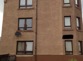 Offered 2 double bedroom 2nd floor flat in EH5 Wanted large 1 or 2 bedroom ground floor flat Edinburgh
