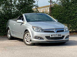 Vauxhall Astra, 2007 (07) Silver Convertible, Manual Diesel, NEW MOT