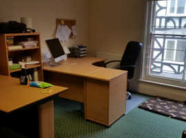 MODERN OFFICE SPACE / SUITE FOR RENT IN BUSY TIVERTON GOLD STREET