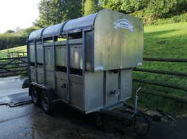 Graham Edwards get105 livestock trailer