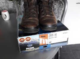 Miendl Bhutan boots size 12