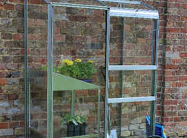 Lean to Greenhouse - 2ft x 4ft - BRAND NEW - FREE DELIVERY