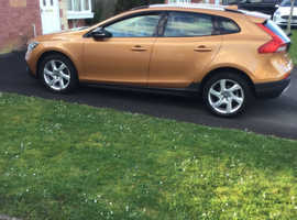 Volvo V40, D2 Cross Country Lux Auto 2014 (64)  Hatch, Automatic 40,000 Miles Lady Owner Car