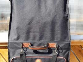 Carlton international suit/garment carrier