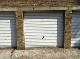 Dry lockup garage to rent in South Ealing close to Ealing Broaway & M4