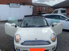 Mini MINI, 2010 (10) White Convertible, Manual Petrol, 61,331 miles
