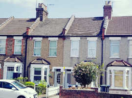 Achieve up to £2665PCM - 3 Bed Refurbished Mid terraced house - Granny Annex* Swimming pool* Sauna*