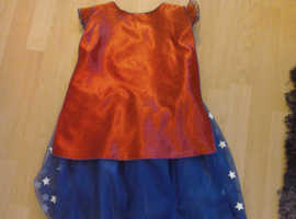 Bundel of 3 Girls age 9 to 10 Dress-up Outfits