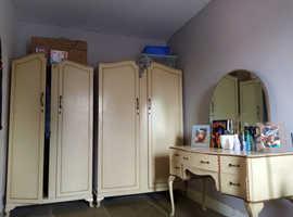 3 Piece Bedroom Set ( 2 wardrobes 1 dresser)