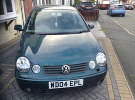 Volkswagen Polo, 2004 (04) Green Hatchback, Manual Diesel, 94,000 miles