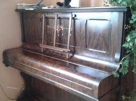 Godfrey, Newport upright piano