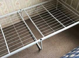Folding single bed and mattress