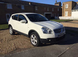 Nissan Qashqai, (09) White Hatchback, Manual Diesel, 121,000 miles, New Tryres & Full service