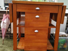 Large Solid Oak Butchers Block with drop leaf sides & front drawers