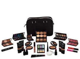 Level 2 Sleek Makeup Kit