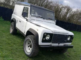 Land Rover Defender, 1990 (G) White 4x4, Manual Diesel, 128,000 miles