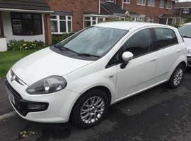 Fiat Punto Evo, 2011 (61) White Hatchback, Manual Petrol, 39,200 miles