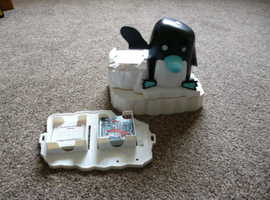 pictureka electronic version. watch the penguin deal out the cards. great condition.