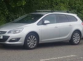 Vauxhall Astra, 2015 (64) Silver Estate, Manual Diesel, 140,000 miles